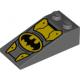 LEGO tetőelem 18°-os 4×2 Batman logó mintával, sötétszürke (68184)